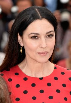 Monica Bellucci attends the La Meraviglie photocall during the Annual Cannes Film Festival on May 2014 in Cannes, France. Cannes Film Festival 2015 Marketing, Promotion and PR at Short Film Corner, Marche du film, Media Junket Monica Bellucci Makeup, Monica Bellucci Photo, Monica Belluci, Cannes Film Festival 2015, Italian Actress, Hollywood Icons, Hazel Eyes, Celebrity Makeup, Elegant Woman