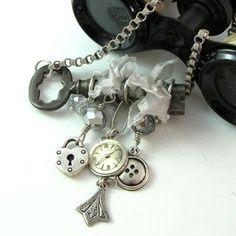Skeleton Key Steampunk Charmed OOAK Necklace by mysticpieces Mood Jewelry, Key Jewelry, Jewelry Art, Jewelry Gifts, Beaded Jewelry, Jewelry Making, Jewlery, Wire Jewellery, Jewelry Ideas