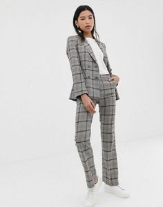 Discover our range of women's suits at ASOS. From officewear to matching separates, in print, floral and smart styles at ASOS. Order today at ASOS. Costume En Lin, Costume Rose, Costume Vert, Costume Slim, Safari Costume, Short Vert, Short Blanc, Skinny Suits, Skinny Chinos