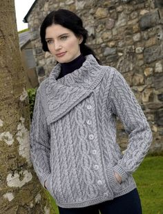 Aran Sweater Market - the home of Irish Aran sweaters. The Aran Sweater, also known as a Fisherman Irish Sweater, the famous original since quality authentic Aran sweater & Irish sweaters from the Aran Islands, Ireland. Knit Jacket, Knit Cardigan, Vogue Knitting, Cable Knit Sweaters, Irish Sweaters, Ladies Sweaters, Garter Stitch, Cardigans For Women, Knitwear