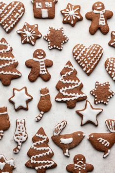 Soft vegan gingerbread cookies - Lazy Cat Kitchen - - Soft vegan gingerbread cookies are really easy to make and fun to decorate. They make beautiful homemade gifts. They can be made refined sugar free and gluten free too. Ginger Bread Cookies Recipe, Cookies Vegan, Cookies Soft, Almond Cookies, Chocolate Cookies, Vegan Gingerbread Cookies, Gingerbread Houses, Christmas Gingerbread, Bolacha Cookies
