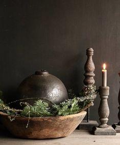 Christmas Flowers, Green Christmas, Christmas Colors, Rustic Christmas, Simple Christmas, Winter Christmas, Christmas Home, Xmas, Christmas Centerpieces