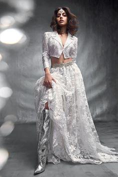 Indian Fashion Dresses, Indian Designer Outfits, Designer Gowns, Blouse Lehenga, Lehenga Choli, Gown Dress Online, Indian Wedding Outfits, Indian Couture, Bridal Lehenga