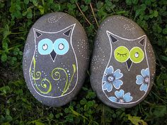 Have to make these this summer. I miss painting rocks with the kids.