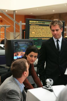 "NCIS - Season 4 Episode 3 - ""Singled Out"""
