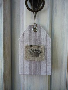 étiquette Door Tags, Reduce Reuse, Fabric Tags, Hang Tags, Etiquette, Illustrations, Recycling, Gift Wrapping, Crafty