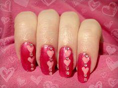 Ida-Marian kynnet / Simple heart Valentine's Day nail art  / #Nails #Nailart