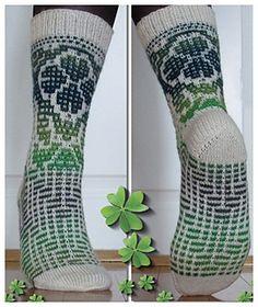Sokkene Lykke er strikket i Mosaikk strikk.