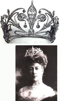 Tiara of Crown Princess Stephanie of Austria. - a big honkin' fleur de lis tiara Royal Crown Jewels, Royal Crowns, Royal Tiaras, Royal Jewelry, Tiaras And Crowns, Pageant Crowns, Princess Stephanie, Princess Diana, Family Jewels