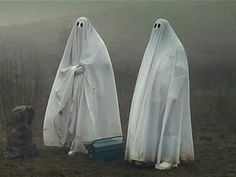 Spooky Scary, Creepy, Sheet Ghost, Real Ghosts, Ghost Photos, Cute Ghost, Corpse Bride, Halloween Wallpaper, Ghost Stories