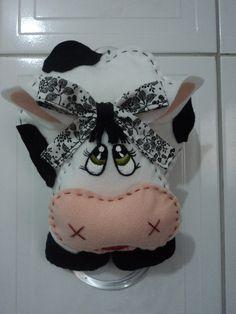 Porta pano de prato de vaquinha,feito em feltro e tecido estampado 100% algodão! R$ 26,88