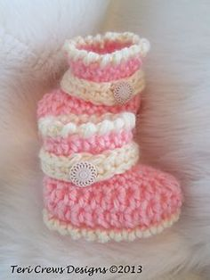 Crochet Baby Booties Ravelry: Cute Baby Boots Crochet Pattern pattern by Teri Cre… Crochet Baby Boots, Crochet Baby Clothes, Crochet Slippers, Baby Slippers, Crochet For Kids, Free Crochet, Ravelry Crochet, Crochet Crafts, Crochet Projects
