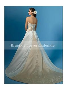 Luxuriös A-Linie Trägerloser Ausschnitt Satin Kathedrale-Schleppe Hochzeitskleid