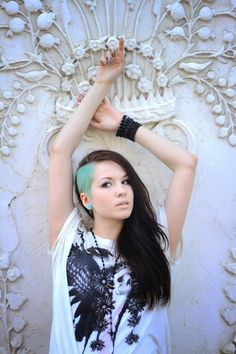 I wish I had the guts to dye my undercut like this