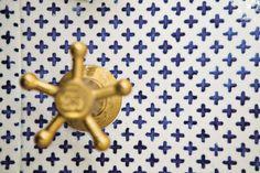 Made a Mano Tile Design | Laurence Pidgeon http://www.laurencepidgeon.com/