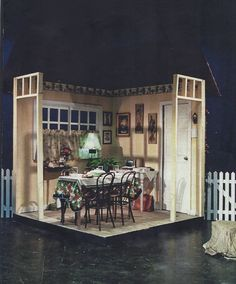 Thunder on Sycamore Street by Reginald Rose April 2006 Interior of center stage house Scenic Design by Michael Berezney Lighting Design by Benjamin Motter Flint Central High School Theatre Magnet