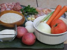 Tamales Colombianos - AntojandoAndo Colombian Food, Cilantro, Dairy, Cheese, Traditional, Recipes, Fashion, Carrot Slaw, Tamale Recipe