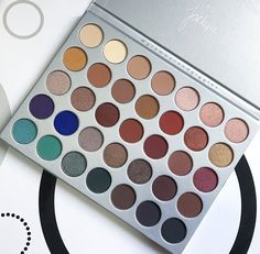 Jaclyn Hill Palette First Impressions and Giveaway