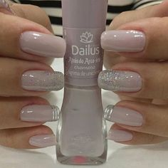 Nail art Christmas - the festive spirit on the nails. Over 70 creative ideas and tutorials - My Nails Perfect Nails, Gorgeous Nails, Pretty Nails, Glitter Gel Nails, Nude Nails, Silver Sparkle Nails, Acrylic Nails, Gold Nail, Bling Nails