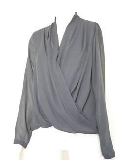 Kaufe meinen Artikel bei #Kleiderkreisel http://www.kleiderkreisel.de/damenmode/blusen/127509690-halbtransparente-bluse-in-marineblau-grosse-38