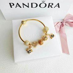 Disney Pandora Bracelet, Pandora Bangle, Pandora Gold, Pandora Jewelry, Charm Jewelry, Pandora Charms, Jewelry Box, Jewelry Bracelets, Jewelry Accessories