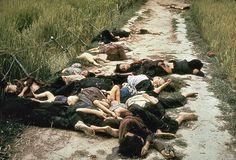 Η φωτογραφία τραβήχτηκε από το φωτογράφο του στρατού των Ηνωμένων Πολιτειών Ronald L. Haeberle στις 16 Μαρτίου 1968 μετά τη σφαγή του Μάι Λάι και δείχνει κυρίως γυναίκες και παιδιά νεκρά σε ένα δρόμο.