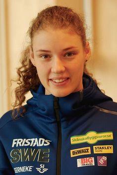 Hanna Öberg Interview: Read the interview with Olympic biathlon champion Hanna Öberg. Sports Stars, Winter Olympics, Winter Sports, Strength Training, Sports Women, Athletes, Sweden, Skiing, Queens