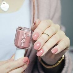 The future looks brilliant in warm, spiced tea rose nail polish. Steeped in sunshine, this creamy drink of lacquer serves up a glass that's always half-full. essie 'eternal optimist' is the perfect shade for an every day mani! Shop it here: http://www.essie.com/Colors/pinks/eternal-optimist.aspx (PS. it comes in gel at your local salon too!)