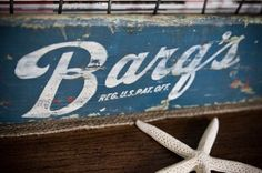 Love the blue on this Barq's crate...