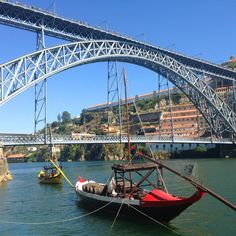 Barco Rabelo!! The ones that used to do the transportation of Porto wine.