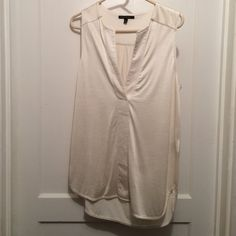 Banana republic sleeveless tunic Lightly worn Banana Republic Tops Tunics