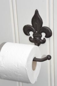 Landelijk toiletpapierhouder Franse lelie bruin - 8717459501874 - Avantius