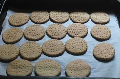 Marie biscuits can be made easily at home. This biscuits taste so good just like the real ones. This biscuits can be stored in a air tight container for 3 to 4 days. Eggless Cookie Recipes, Homemade Oreo Cookies, Chocolate Fudge Cookies, Bourbon Biscuit Recipes, Bourbon Biscuits, Indian Dessert Recipes, Indian Snacks, Marie Biscuits, Almond Flour Cakes