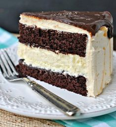 Ingredients : FOR THE CHEESECAKE: 2 pkg each) cream cheese, softened cup granulated sugar pinch of salt 2 large eggs cup sour cream cup heavy cream 1 tsp vanilla FOR THE CAKE: 1 recipe chocolate layer cake layers)- homemade or Salted Caramel Chocolate, Chocolate Caramels, Homemade Chocolate, Chocolate Ganache, Melting Chocolate, Chocolate Recipes, Delicious Chocolate, Cheesecake Cake, Chocolate Cheesecake