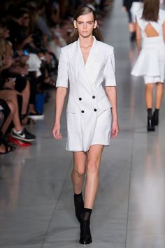 DKNY Spring 2016 Ready-to-Wear Collection