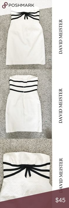 """David Meister Strapless white dress - lovely! M/L David Meister Strapless white dress - so cute!  Measurements: Bust: 34"""" Waist: 30"""" Length: 33"""" David Meister Dresses Strapless"""