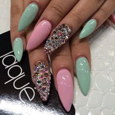 Mint green and pink stiletto nails with gems. would have done pearls instead and fewer French Nails Glitter, Pink Stiletto Nails, Sexy Nails, Glam Nails, Hot Nails, Fancy Nails, Trendy Nails, Pink Nails, Mint Green Nails