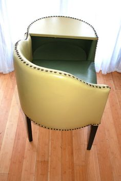 Best Awesome Vintage Telephone Table Designs for A Great Addition at Home - Awesome Indoor & Outdoor Patio Furniture Redo, Funky Furniture, Retro Furniture, Furniture Design, Office Furniture, Furniture Cleaning, Furniture Refinishing, Repurposed Furniture, Vintage Telephone Table