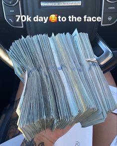 Money Girl, Mo Money, How To Get Money, Bougie Black Girl, Money On My Mind, Money Stacks, Rich Lifestyle, Money Affirmations, Bad Girl Aesthetic