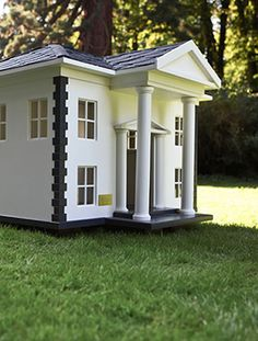 Treat Your Pooch To One Of These Unbelievable Doghouses On National Puppy Day Modern Dog Houses, Custom Dog Houses, Cool Dog Houses, Dog Beds For Small Dogs, Small Dog Breeds, Dog Mansion, National Puppy Day, Dog Rooms, Outdoor Dog