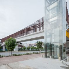 ADARC --> foshan city heyue road pedestrian bridge (佛山新城荷岳路步行桥)