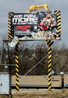 Looks like one of those claw games at the arcade! Nope, just an awesome billboard for PSC Metals! Funny Billboards, Pushing Boundaries, Large Format Printing, Metals, Arcade, Digital Prints, Scrap, Creative, Advertising