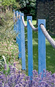 Painting an outdoor scene - Blue painted fence posts