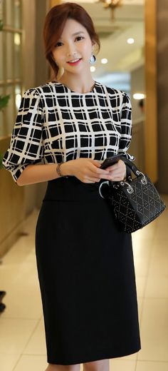 StyleOnme_Buckle Strap Belt Pencil Skirt #black #elegant #koreanfashion #kstyle #kfashion #seoul #pencilskirt #summerlook