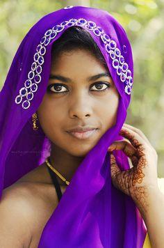 Women of Color Beautiful Girl In India, Beautiful Muslim Women, Beautiful Lips, How To Feel Beautiful, Beautiful People, Beautiful Things, We Are The World, People Of The World, Black Girls
