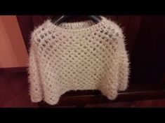 Crochet Poncho, Knit Crochet, Yuo Tube, Capelet, Knitting Designs, Body Wraps, Pullover, Needlework, Sweaters