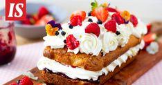 Marjoilla ja kermavaahdolla täytetty murokakku on herkullinen loppukesän kahvipöydän leivonnainen. Sweet Recipes, Cheesecake, Candy, Desserts, Food, Tailgate Desserts, Deserts, Cheesecakes, Essen