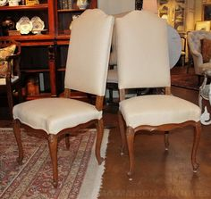 A set of six dining chairs in oak