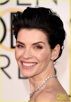 Julianna Margulies  at the Golden Globes 2015 in Bulgari.