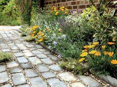 20 Amazing DIY Garden Pathway Design For Best Backyard Ideas Stone Garden Paths, Garden Stones, Stone Pathways, Brick Garden, Adoquines Ideas, Path Ideas, Walkway Ideas, Craft Ideas, Garden Fencing